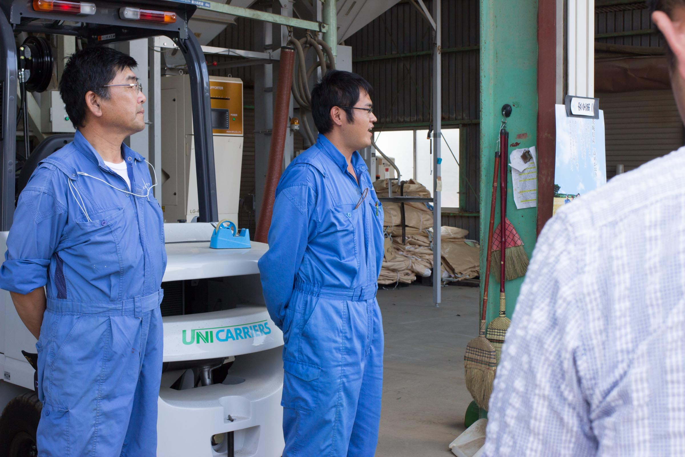 代表の染野さん(左)と小麦担当の荻原さん(左)